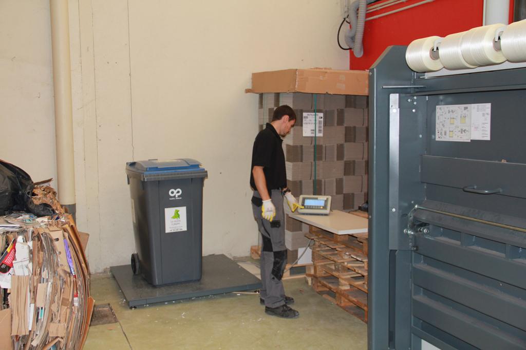 r cup ration carton recyclage papier lyon 69 rhone. Black Bedroom Furniture Sets. Home Design Ideas